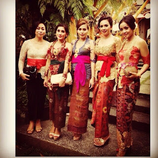 Foto Kebaya Bali 2015
