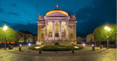 blog dedicato a viaggi e vacanze in Italia: Il tempio Voltiano di Como