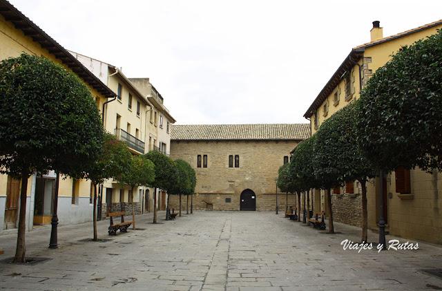 Palacio Príncipe de Viana desde la Plaza de los Arcos de Sangüesa, Navarra