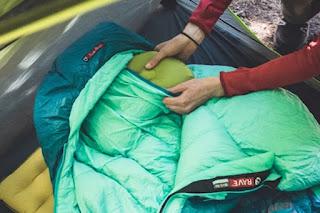 Fitur tambahan sleeping bag