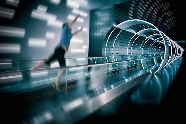 السفر عبر الزمن: لماذا لا يأتي بشر المستقبل إلينا؟