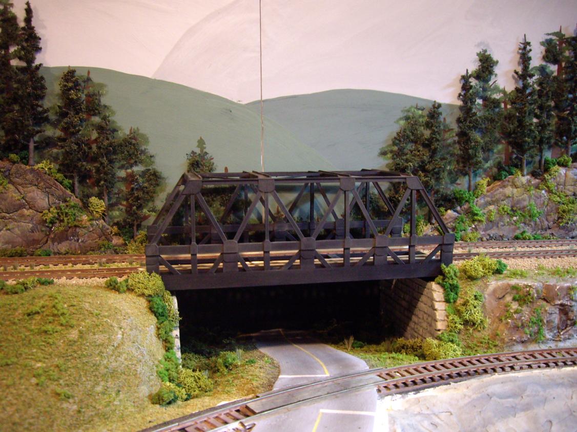 Upgraded double wide warren-truss train bridge