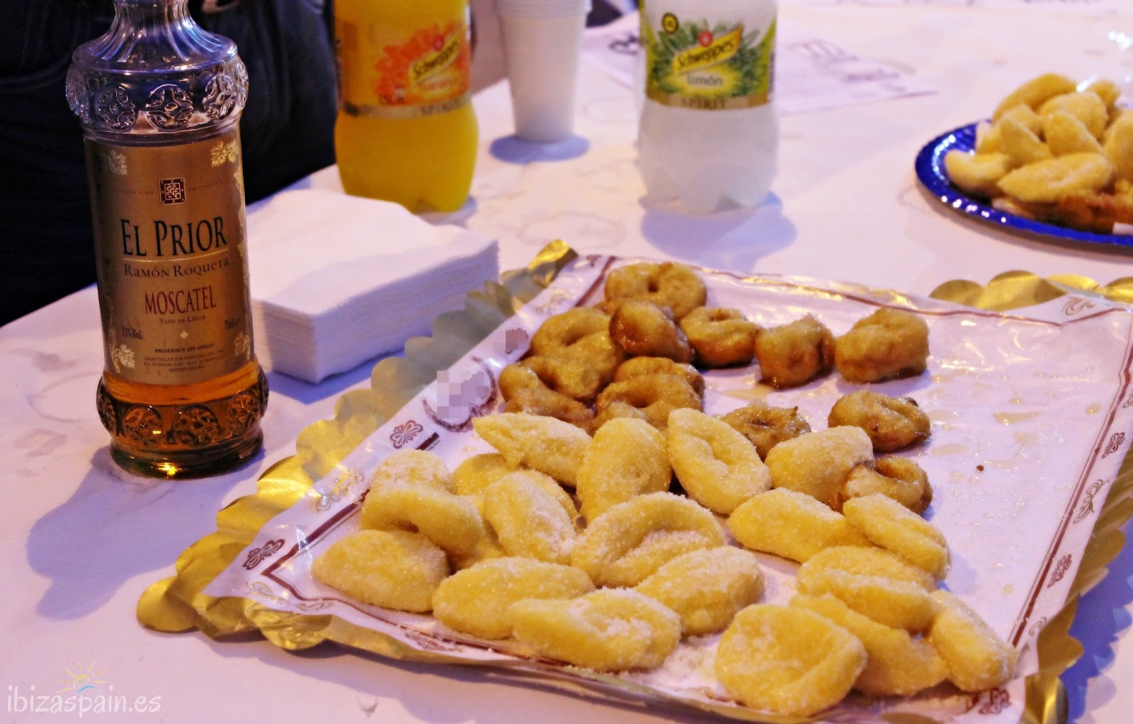 Orelletas de Ibiza - Postres típicos de Ibiza