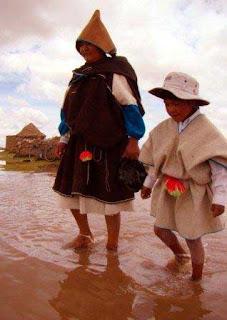 Una madre y su hijo uru
