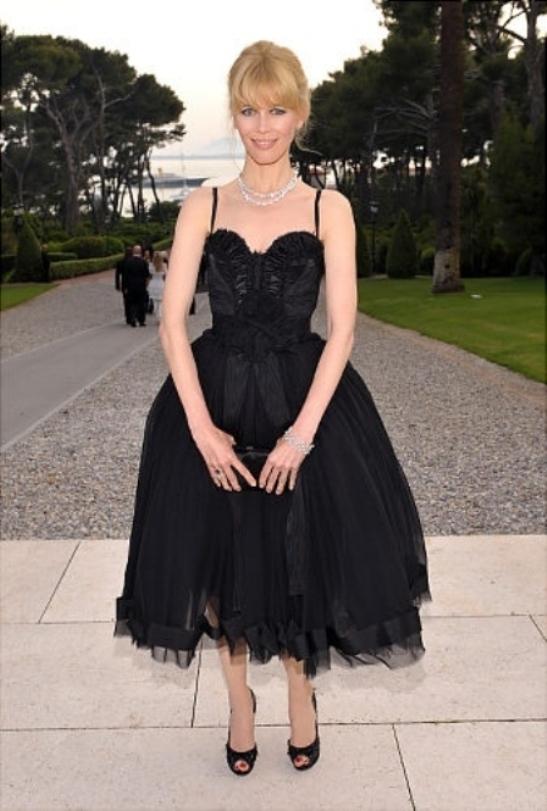 Little Black Dress: Leighton Meester or Jennifer Aniston?