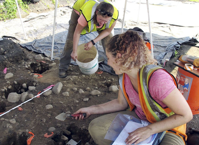 Archaeologists dig Native American fort found in Connecticut