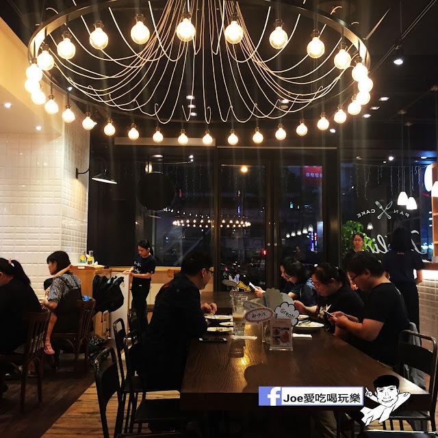 IMG 0271 - 【台中甜點】jamling Cafe 台中 - 來自東京鬆鬆軟軟入口即化的鬆餅 貓王鬆餅 吃起來有花生的甜 培根的鹹 ~一整個超級特別!!