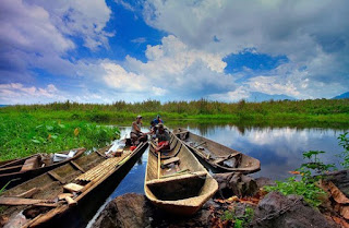 http://www.teluklove.com/2017/04/destinasti-objek-wisata-danau-rawa-dano.html