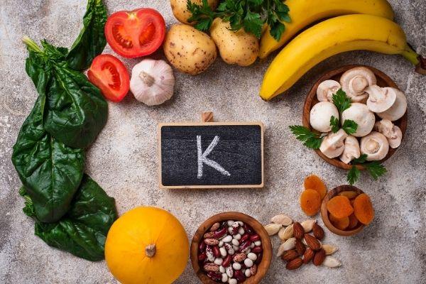 Tổng hợp danh sách những vitamin chống viêm không thể bỏ quả