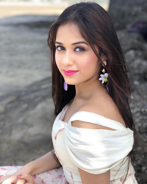 Jannat Zubair Images, Age Height Weight, Husband, Biography