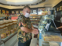 Holland Bakery Sediakan 'Hand Sanitizer' untuk Konsumen