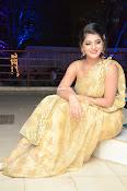 Yamini Bhaskar sizzling in saree-thumbnail-8