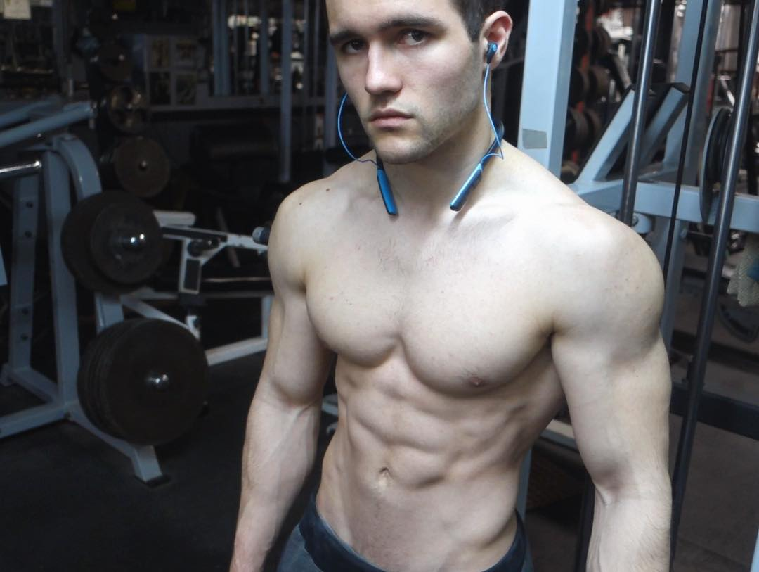 straight-young-gym-bro-fit-shirtless-body