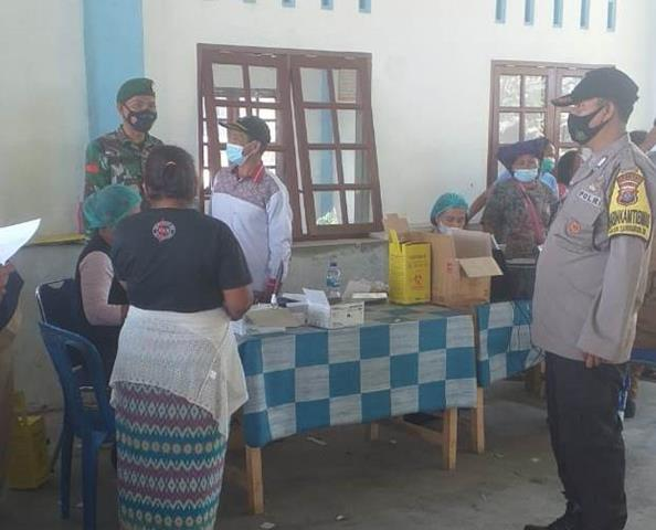 Pelaksanaan Vaksin Diwilayah Binaan Didampingi Langsung Oleh Personel Jajaran Kodim 0207/Simalungun