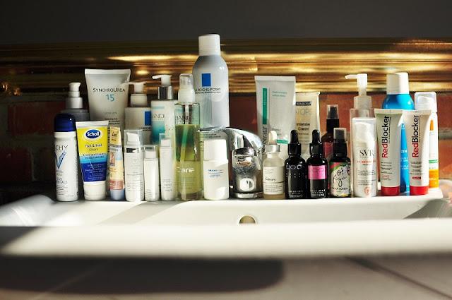 Minimalizm w pielęgnacji skóry, czyli wielkie sprzątanie łazienek