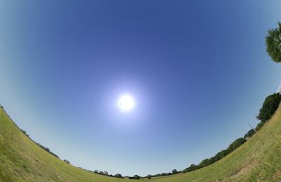 Stellarium screen snapshot showing Moon near Sun