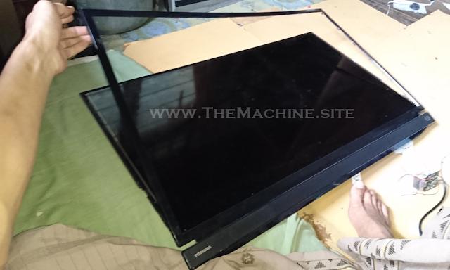 Back Light Display Mati - TV TOSHIBA 32-Inch