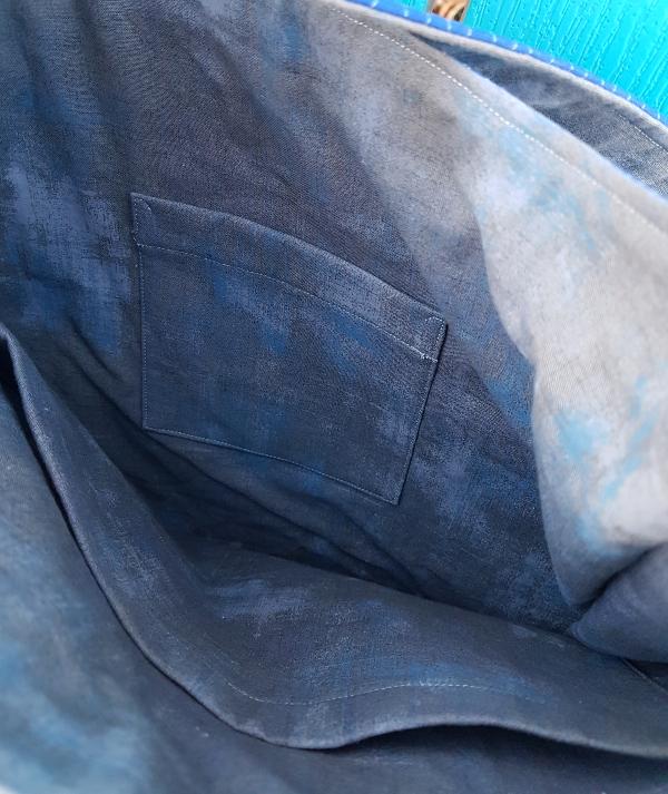 Quilter's Planner bag | DevotedQuilter.com