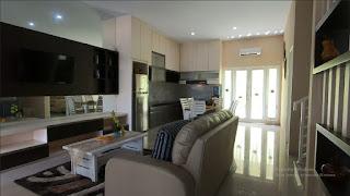 Ruang keluarga rumah mewah 2 Lantai ready dan siap huni dekat pintu tol Helvetia Medan - Villa Citra Mandiri