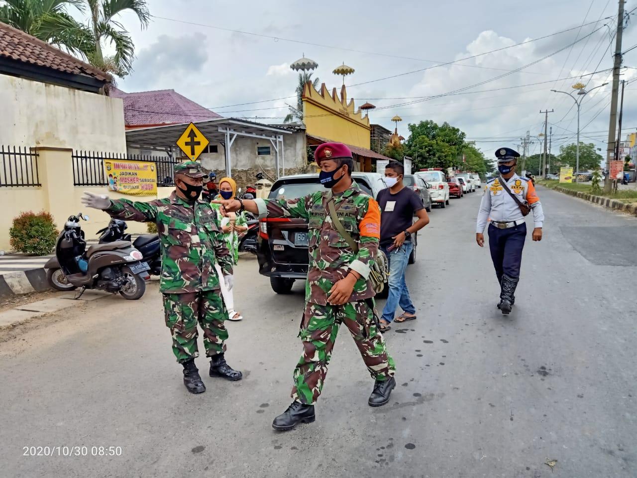 Gugus Tugas Covid-19 Kota Bandar Lampung lakukan pengamanan di pos perbatasan wilayah kota Bandar Lampung.