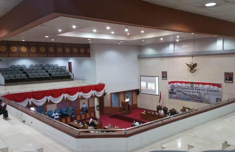 Perubahan Perda Batam,  Disetujui Fraksi DPRD Berikutnya Tanggapan Walikota