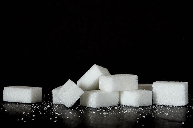 أضرار الإفراط في تناول السكر الأبيض