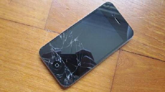 Thay kính màn hình iphone 4