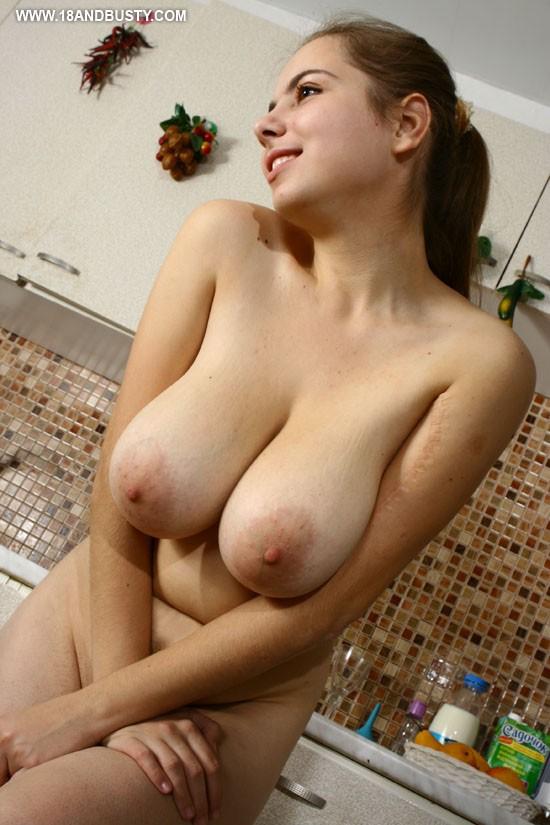 Fuko hairy naked body