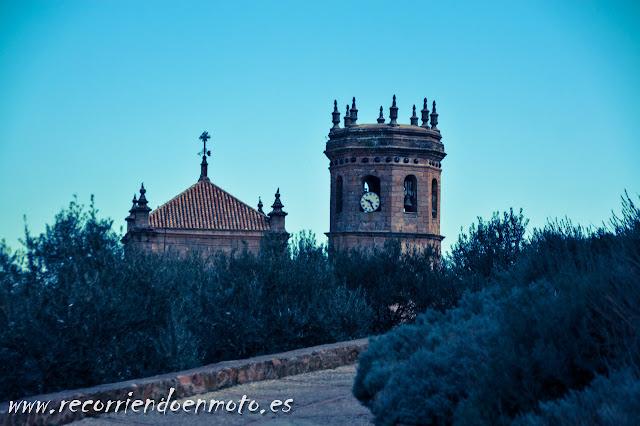 Iglesia de Baños de la Encina desde el Castillo