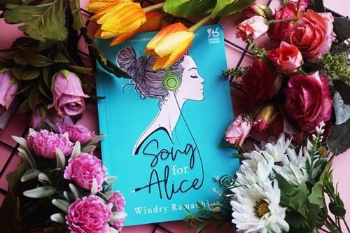 5 penulis fiksi yang membuat jatuh cinta, song for alice, windry ramadhina, novel indonesia