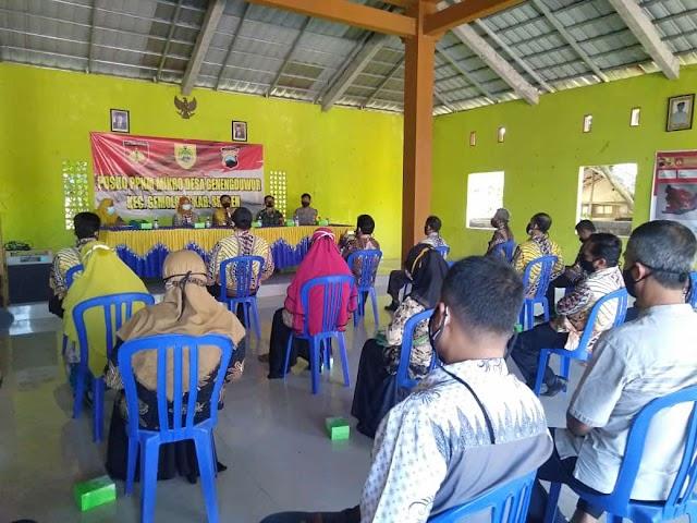 Babinsa Geneng Duwur Amankan Giat Kunjungan Wakil Bupati di Wilayahnya
