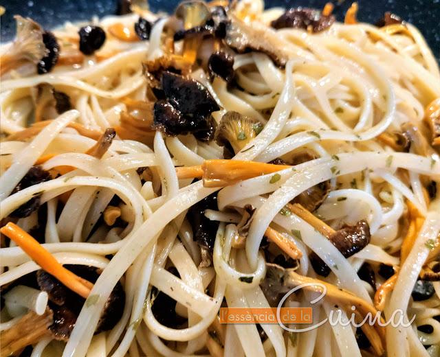 Pasta, Camagrocs, bolets, homemade, cuina casolana, l'essència de la Cuina, Blog de cuina de la Sònia; setas, cocina casera