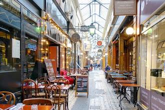 Paris : Passage des Panoramas, le charme suranné de l'un des premiers passages couverts - IIème