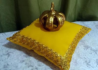 Almofadas centro de mesa festa realeza