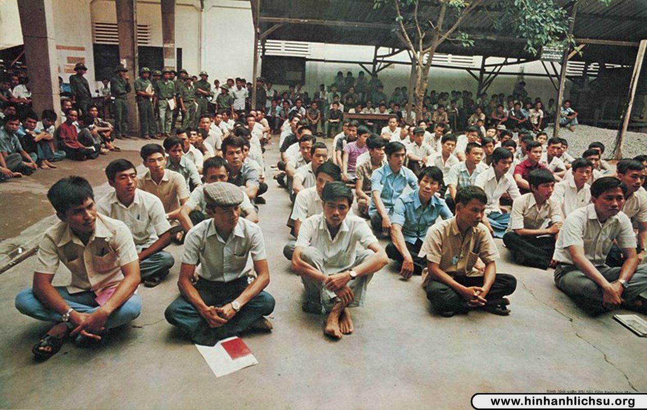 Trại học tập cải tạo tại Việt Nam sau năm 1975 - Hình Ảnh Lịch Sử ...
