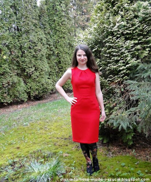 czerwona elegancka sukienka