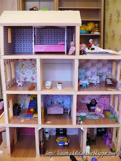 A sturdy and sustainable dollhouse