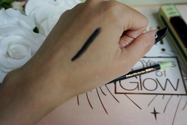 the Pixi Beauty Endless Silky Eye Pen in the shade Black swatches