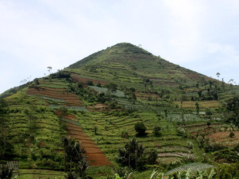 Foto Piramida di Garut