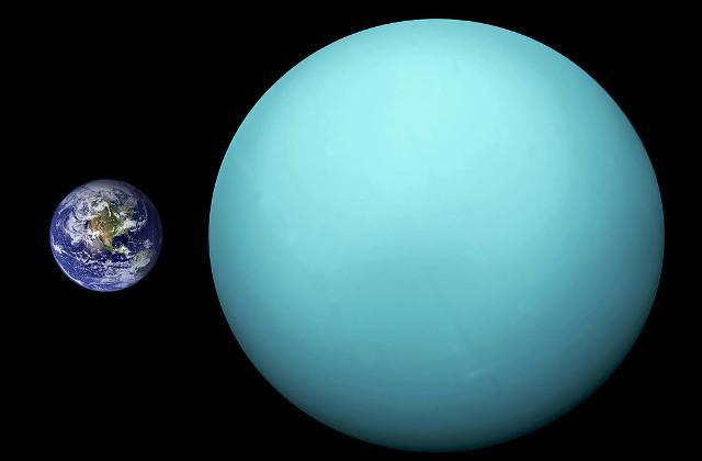 Urano excede la masa terrestre por mucho