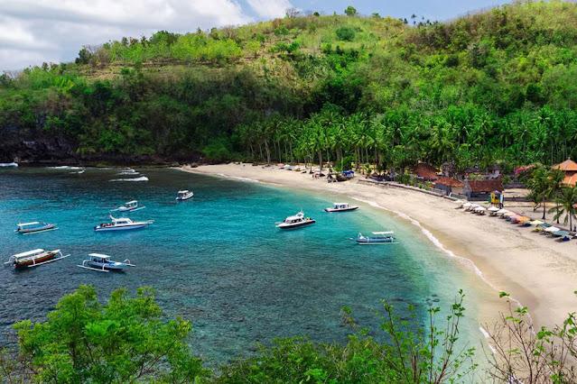 16 Pantai terbaik di Nusa Penida yang wajib Untuk Dikunjungi, pantai kristal