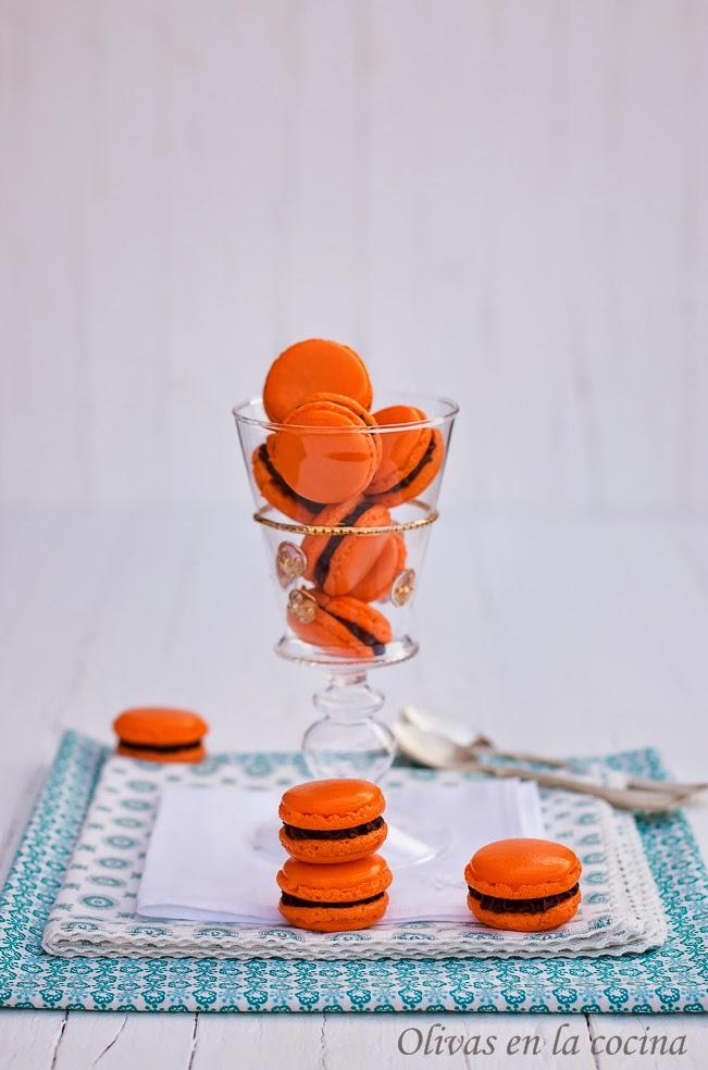 Macarons de naranja con Ganache de chocolate negro