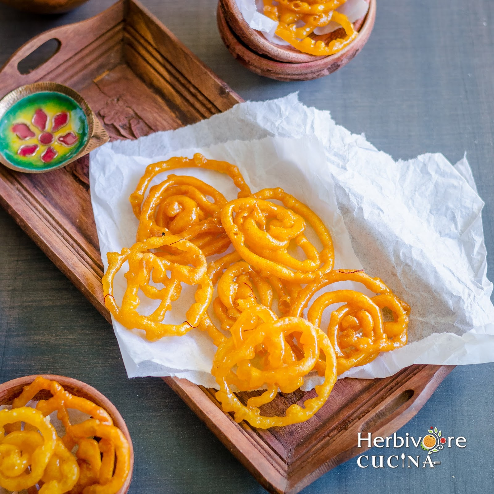 Herbivore cucina the best instant jalebi recipe jalebi those rounds of crispy fried flour dunked in sugar syrup the dessert that everybody enjoys some people dunk it in milk some in rabdi and the rest forumfinder Image collections