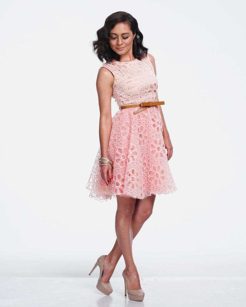 Artis MAlaysia cantik dan seksi Maya Karin mini dress