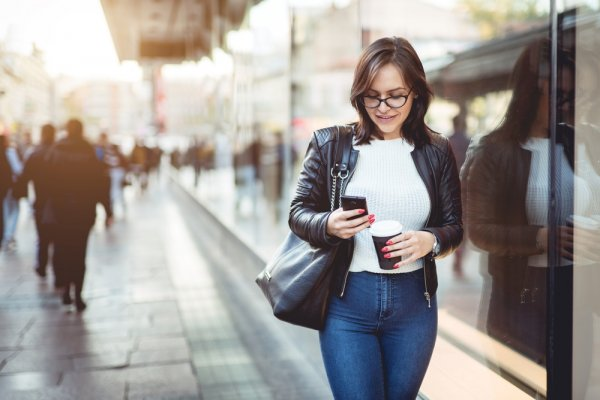 6 Tips Berpakaian Untuk Orang Yang Sering Mengalami Keringat Berlebih