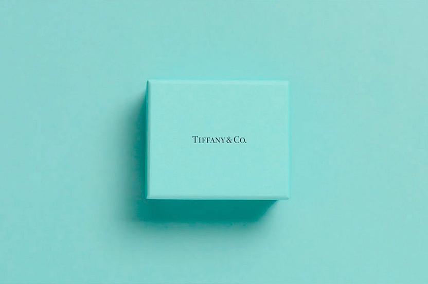 Cómo la marca de joyería Tiffany creó su propio tono de azul
