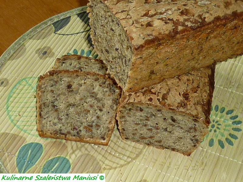 Chleb z ziarnami i czarnuszką