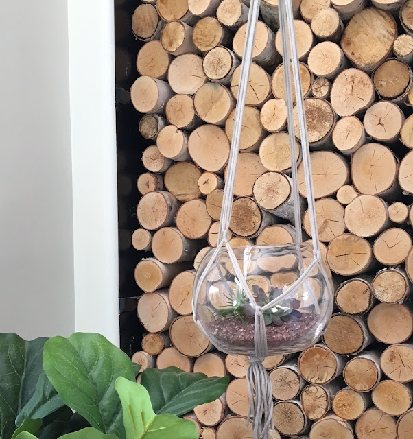 Easy-DIY-macrame-plant-hanger-harlow-and-thistle-1