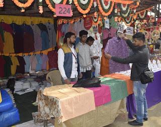नई युवा पीढ़ी को भा रही है मोदी जैकेट