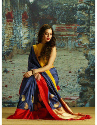 Latest Handloom Silk Saree In Blue And Red Color.
